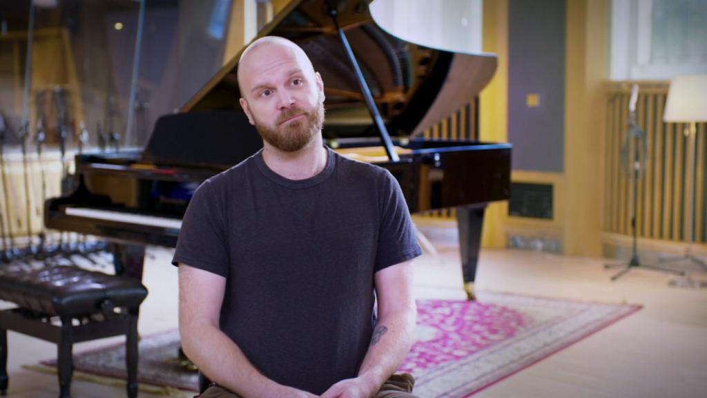 Will Champion, em entrevista no vídeo disponibilizado no Apple Music. (Imagem: frame de vídeo/Reprodução)