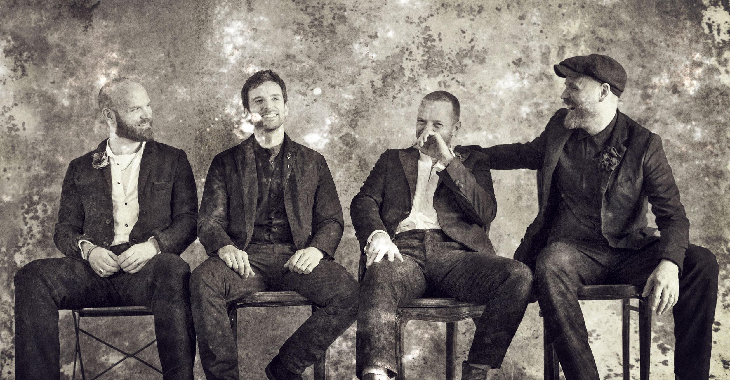 Coldplay, em ensaio para o álbum Everyday Life. (Foto: Tim Saccenti)